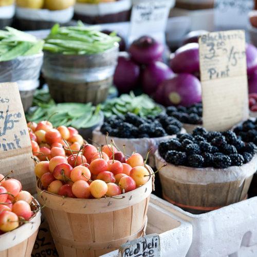 étales de fruits bio